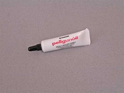 Crosman Pellgunoil for CO2 powered air rifles.